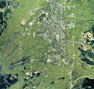Shinjo_city_center_area_Aerial_photograph.1976.jpg